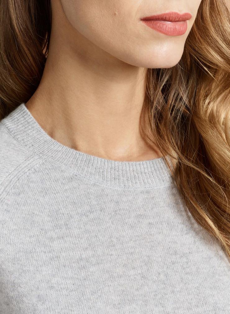 Round neck short Sweater