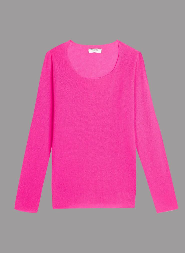 Round neck sharp edge Sweater