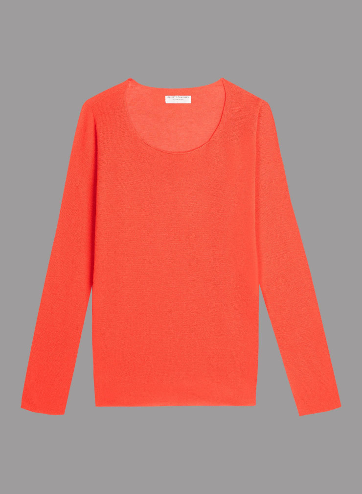 Round neck sharp edge Sweater