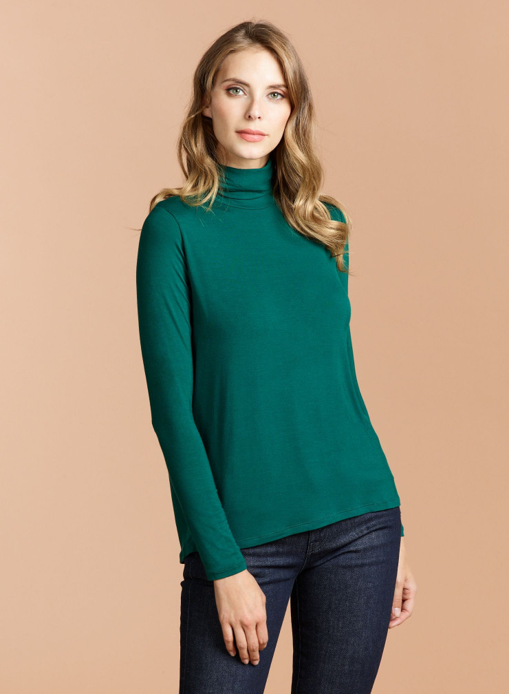 Turtleneck T-shirt with wide pleat in the back
