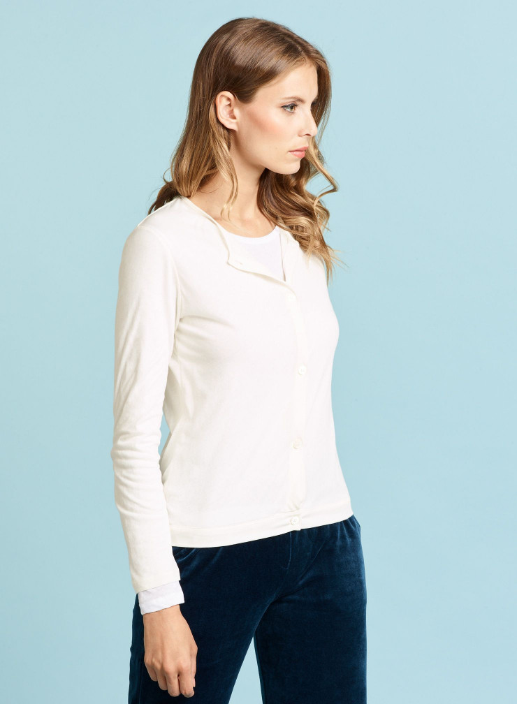 Round neck Cardigan and T-shirt