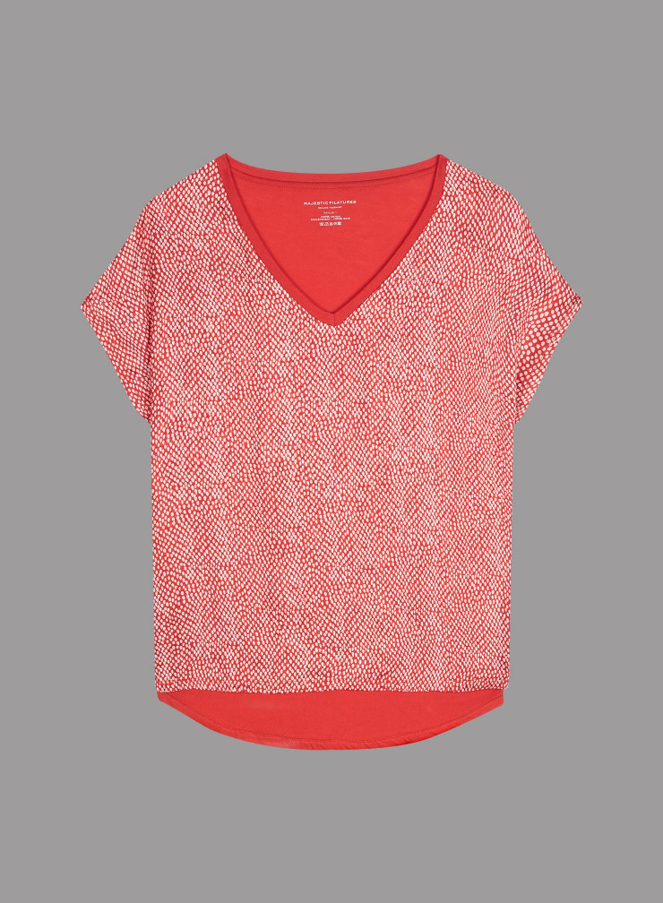 V-neck front in silk T-shirt