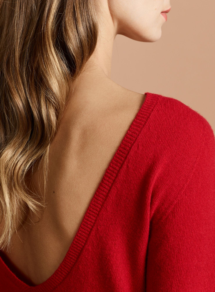 V-Back and round neck  Eco Cashmere Sweater