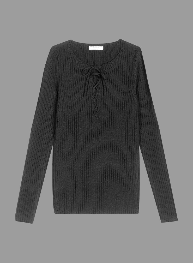 Laced round neck Sweater