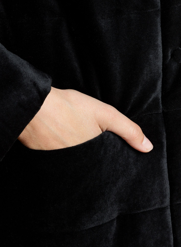 Manteau col rond manches 3/4 velours matelassé