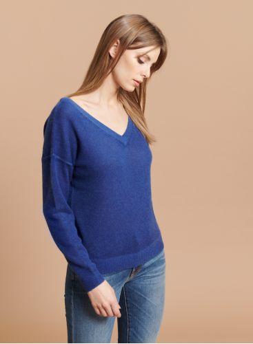 Back V-neck sweater