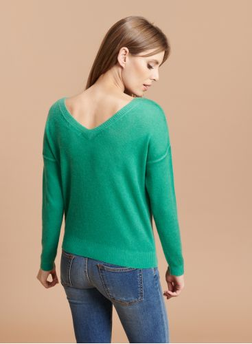 Back V-neck sweater