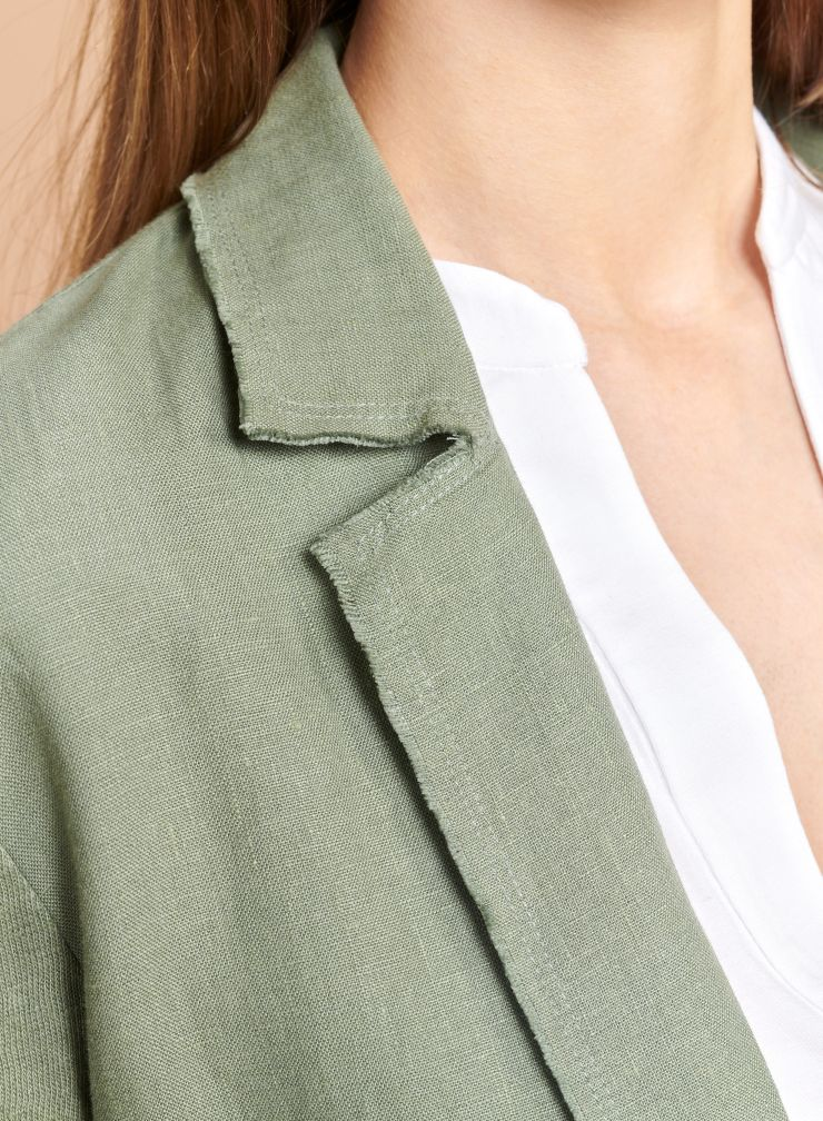 Mid-season Coat with raw seam