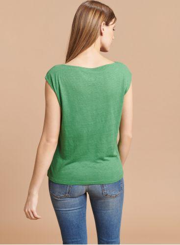 Sleeveless boat neck T-shirt