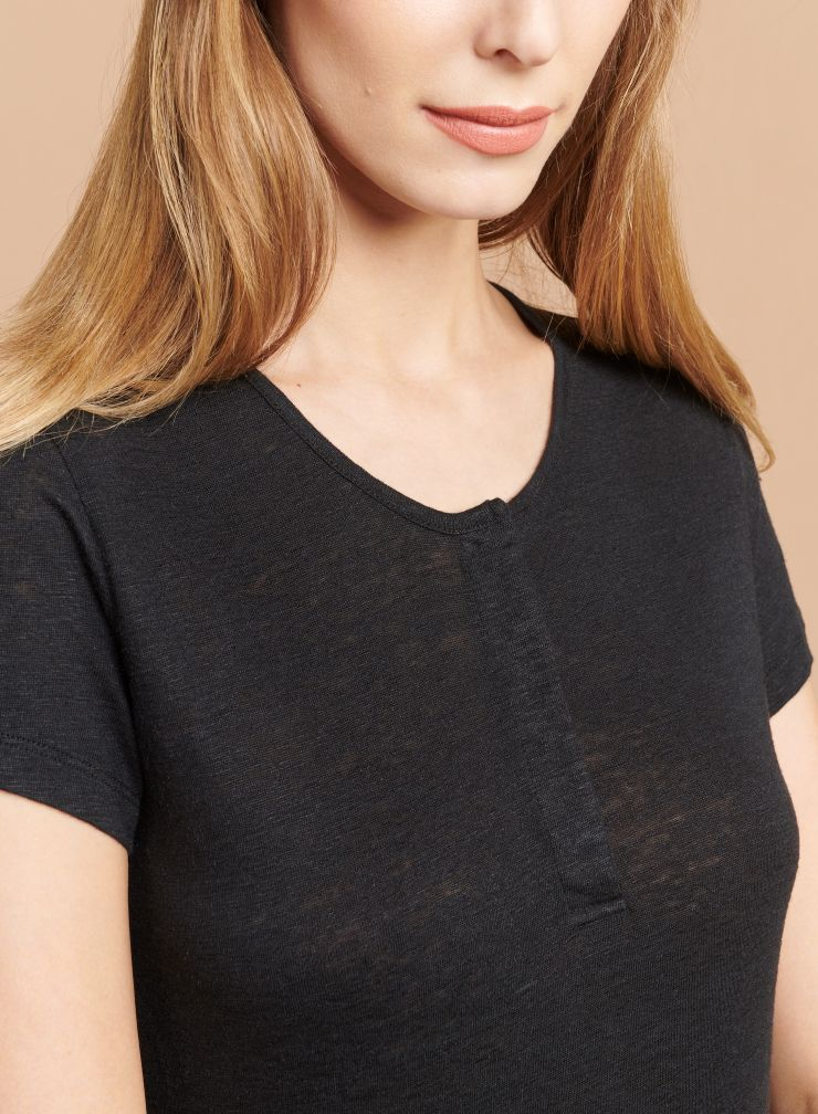 Tunisian collar T-shirt