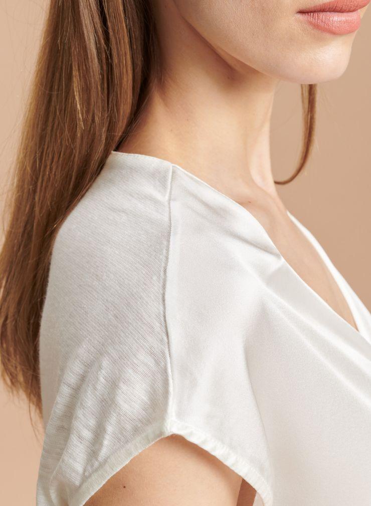 V-neck sleeveless T-shirt with silk panel