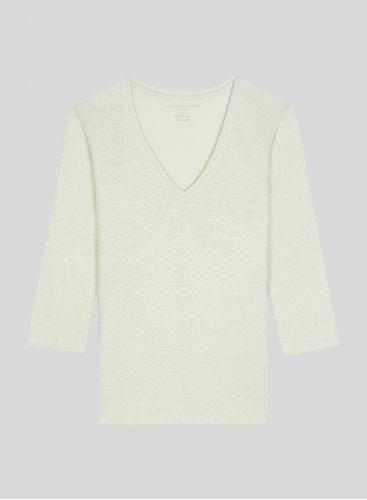 V-neck 3/4 sleeved T-shirt