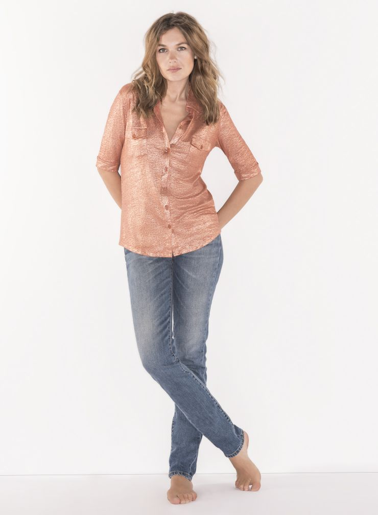 Shimmering elbow sleeved Shirt