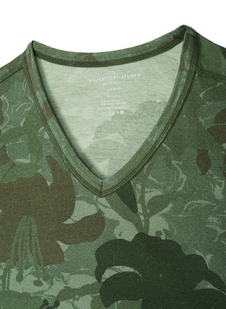 Men's V neck camo printed T-shirt