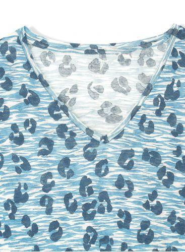 Leopard printed V-neck T-shirt