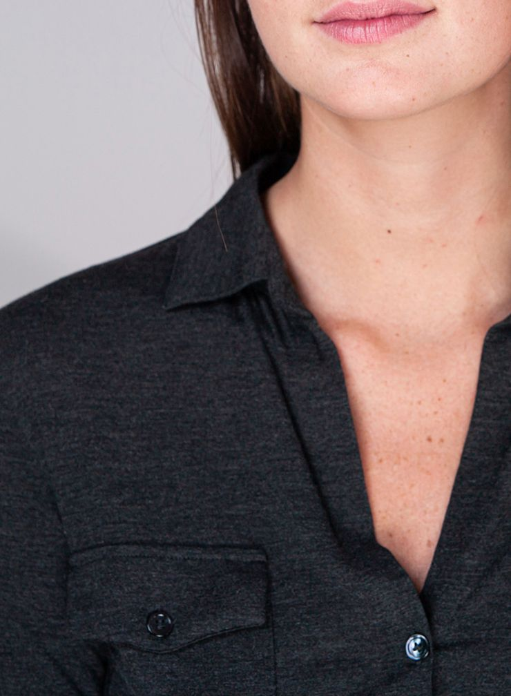 Chemise col V double face