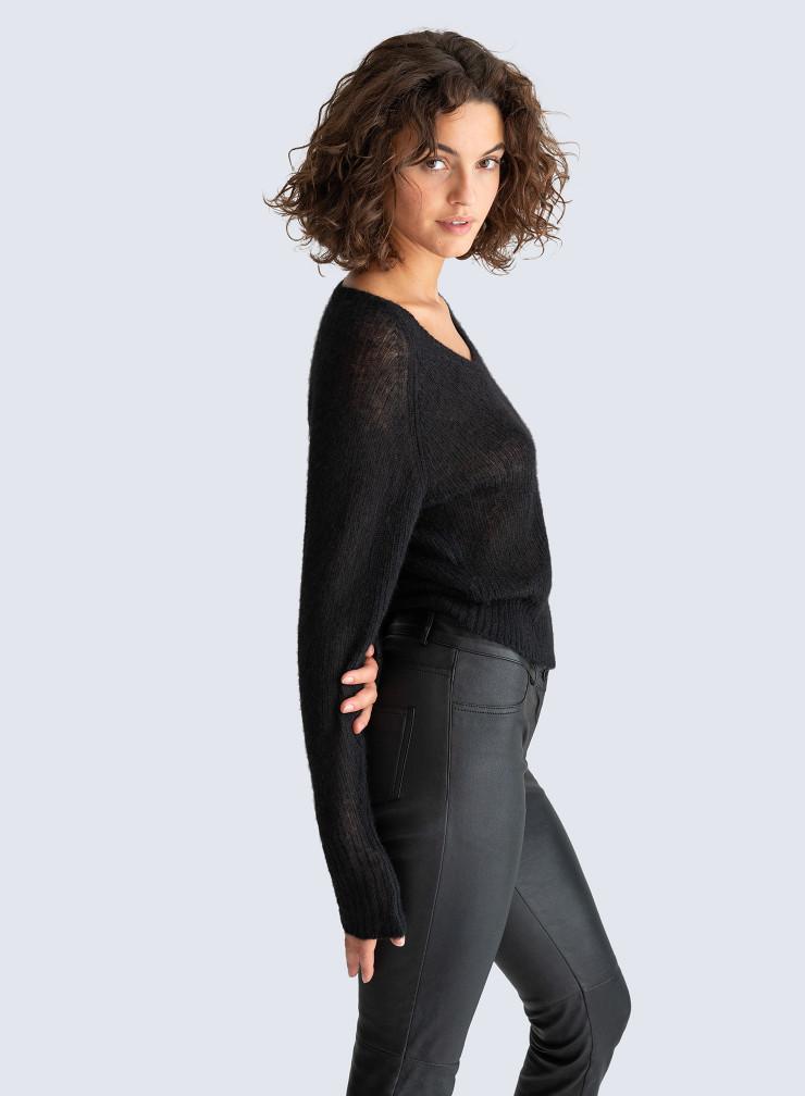 V-neck short Sweater