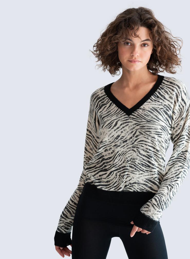 V-neck zebra print Sweater