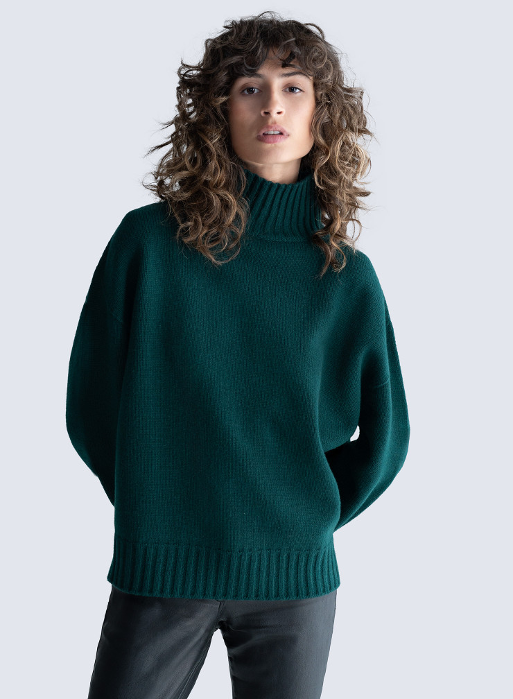 Ribbed-finish stand-up collar sweater