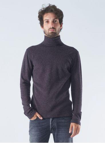 Turtleneck striped T-shirt