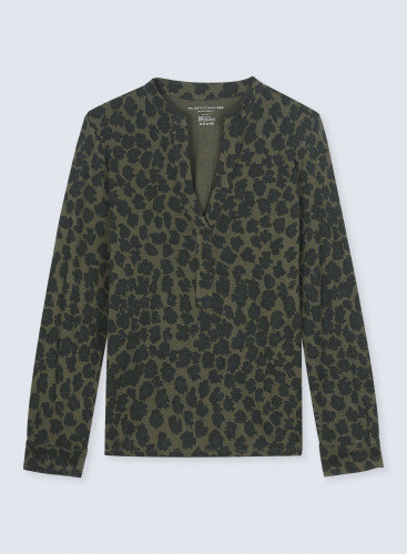 Leopard print buttonless Tunisian