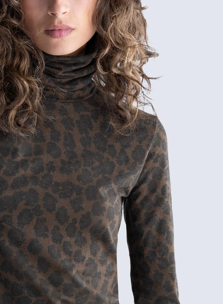 Turtleneck leopard print Dress