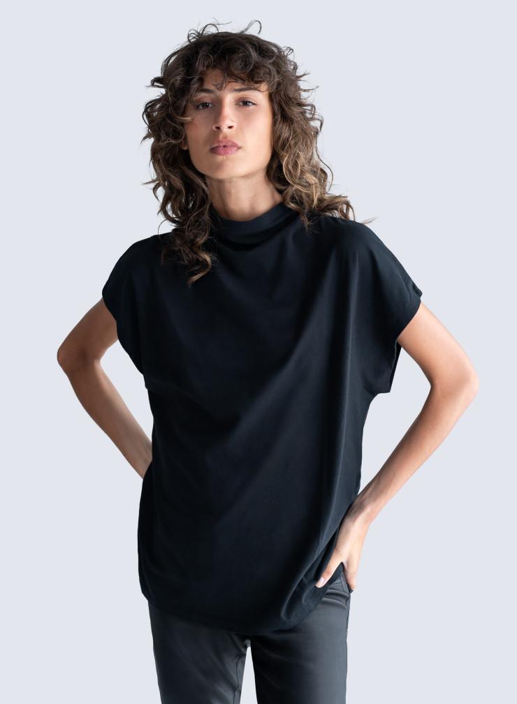 stand-up collar short-sleeved T-shirt