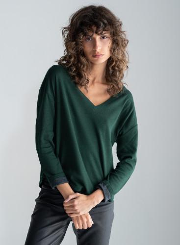 V-neck double sided T-shirt