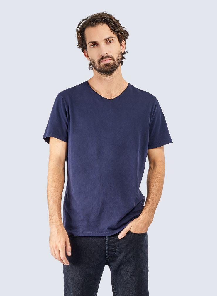 V-neck hand dyed T-shirt