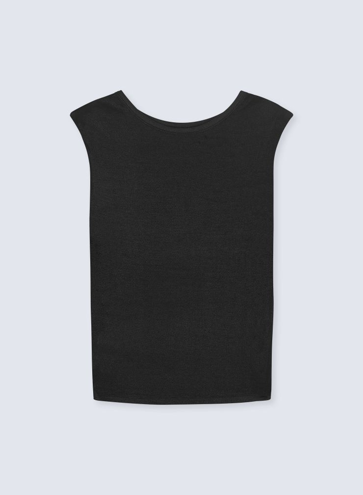 Round neck padded shoulders Top