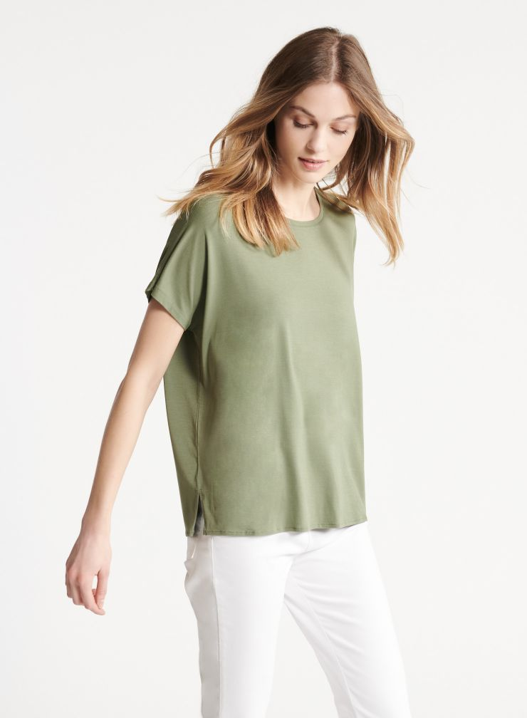 Boxy round neck T-shirt