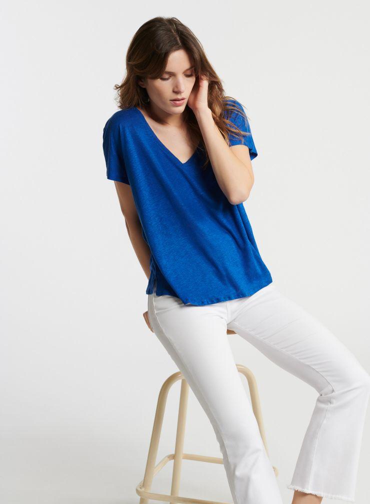 Boxy V-neck T-shirt