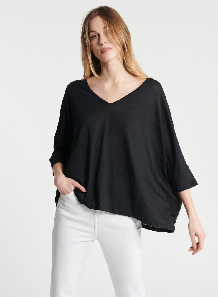 Oversized V-neck 3/4 sleeve T-shirt