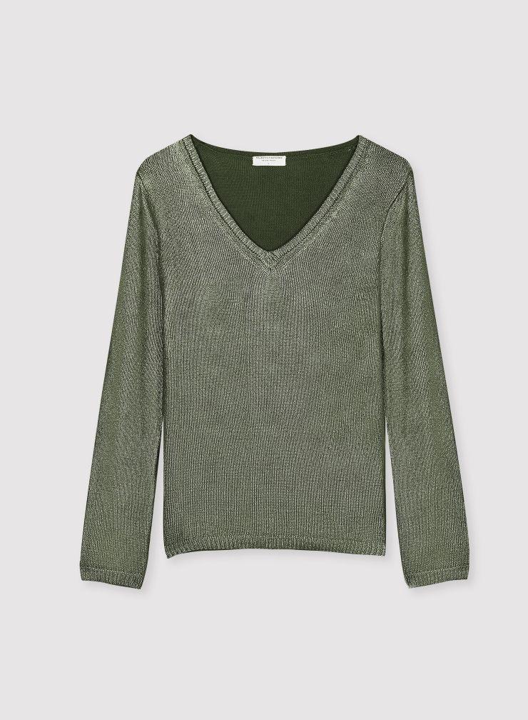 Shimmering V-neck sweater