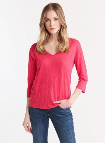 3/4 sleeve V-neck T-shirt