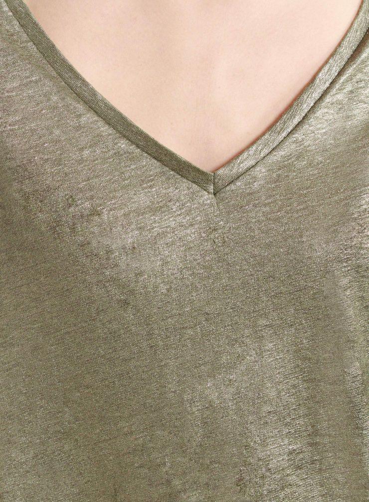 Shimmering V-neck T-shirt