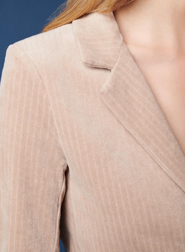 Jacket 1 button 2 pockets