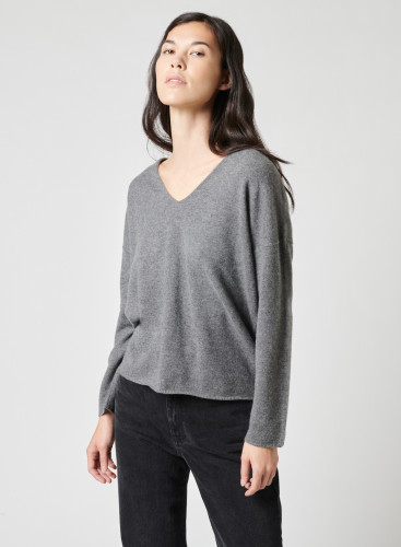 V-neck oversize sweater