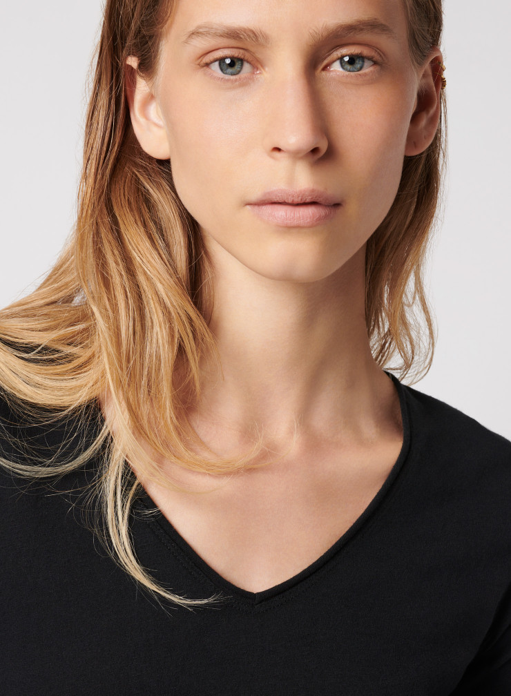 Carole V-Neck T-Shirt