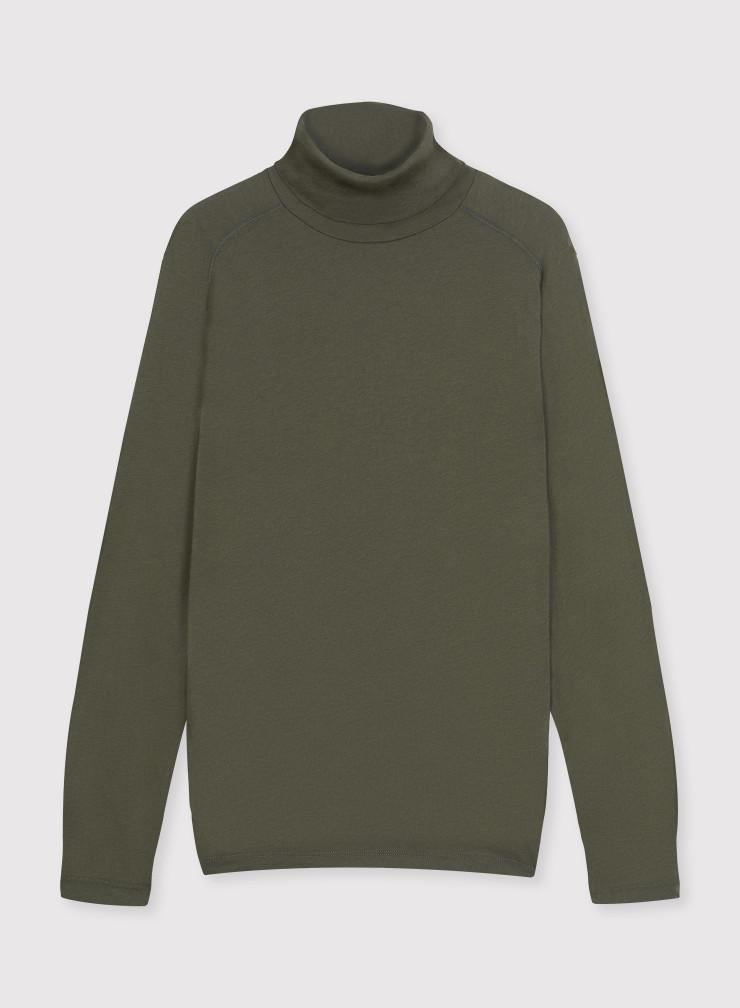 Long sleeve turtleneck T-shirt