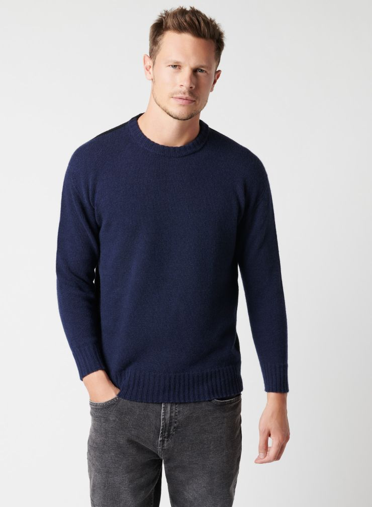 Two-tone round neck sweater
