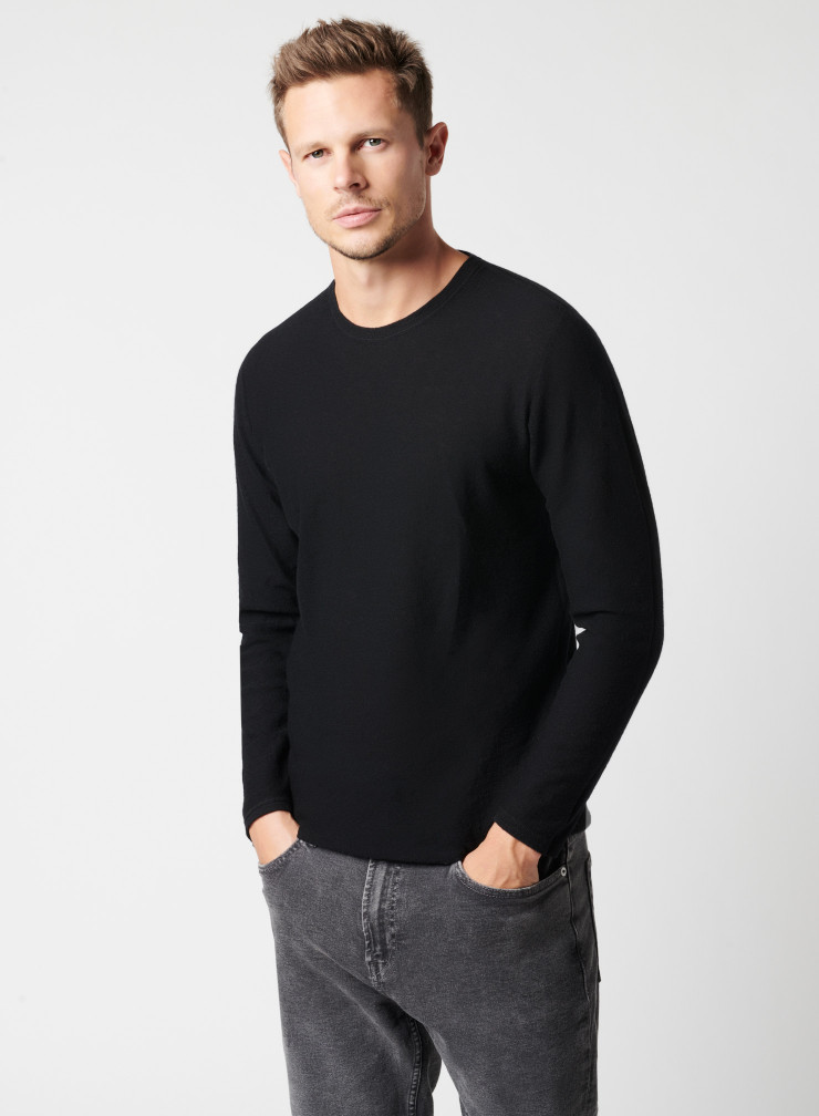 Long sleeve knitted T-shirt