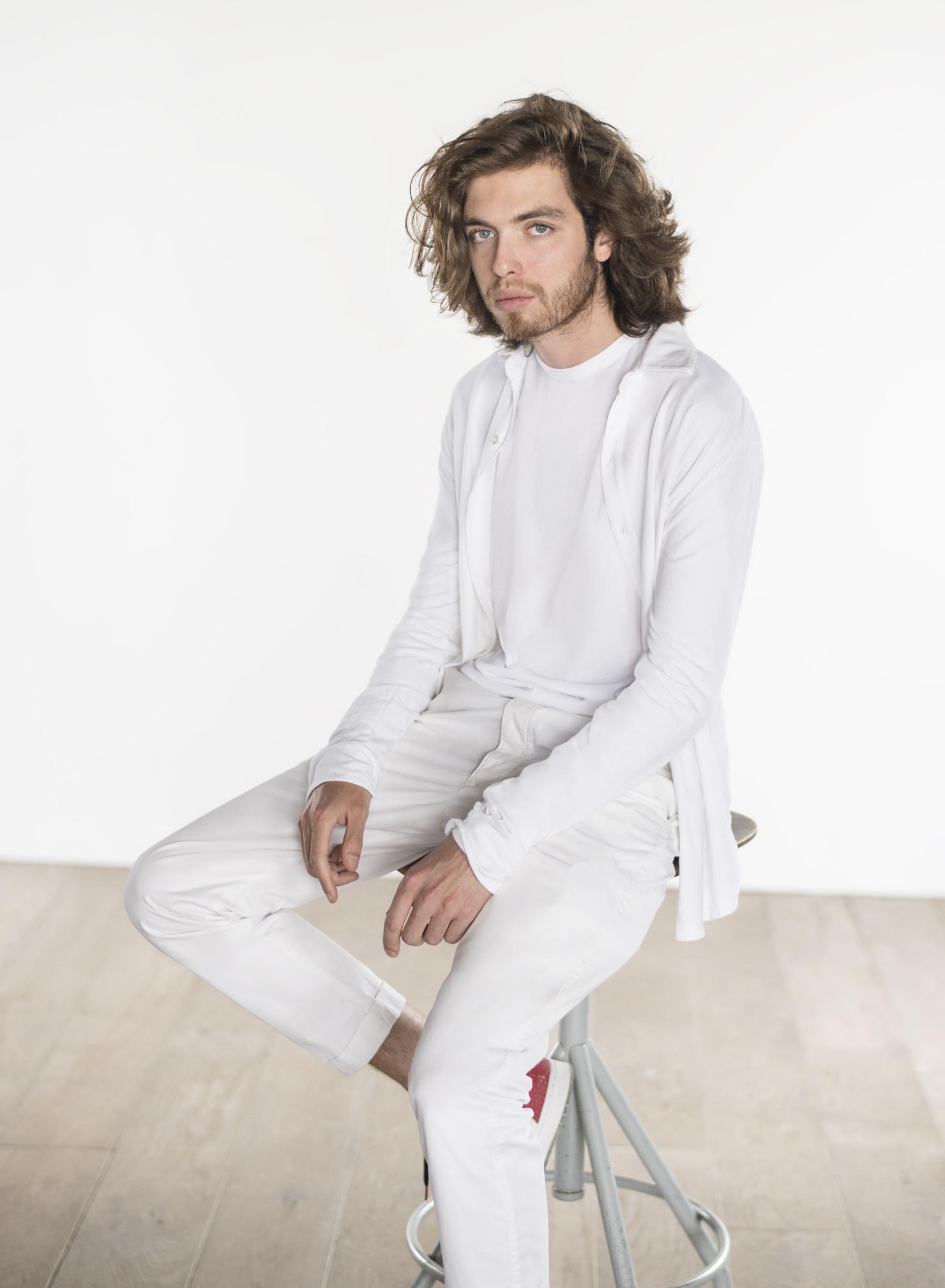 Lookbook Man S20 - The Essential Shirt
